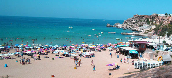 An August Sunday on Golden Bay - and still space at midday!