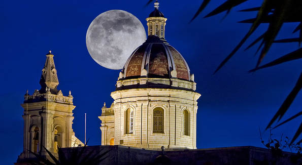 A magical view of a common feature on Malta's skyline.