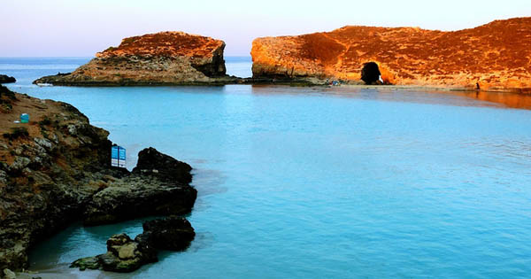 Blue Lagoon, Comino: Photo Leslie Veall