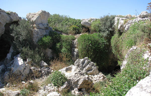 Down the Rabbit Hole: The cave complex remains of Għar il-Kbir